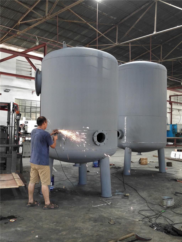 污水处理工程――沙滤罐生产
